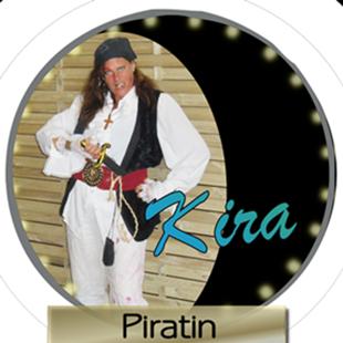 Simone als Piratin